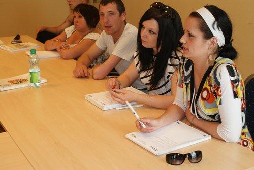 Uczestnicy Projektu podczas zajęć grupowych z psychologiem.