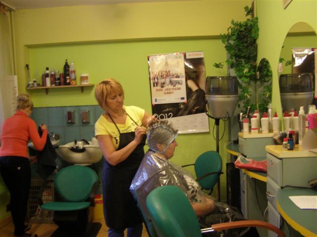 nauka farbowania włosów