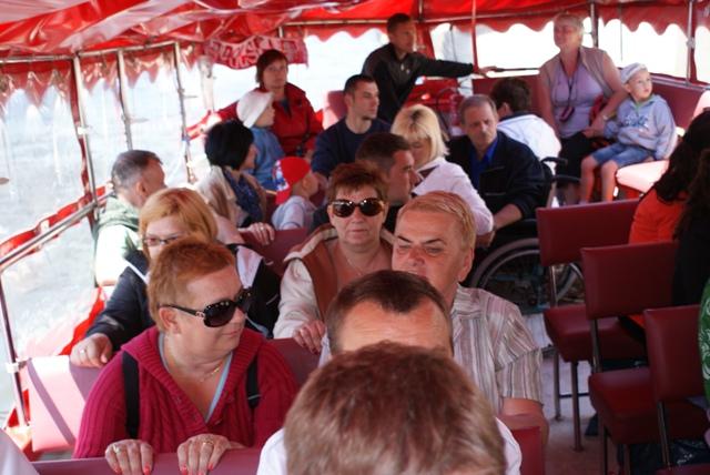 uczestnicy projektu podczas wycieczki statkiem