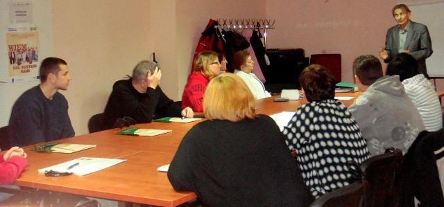 uczestnicy podczas zajęć z doradcą zawodowym